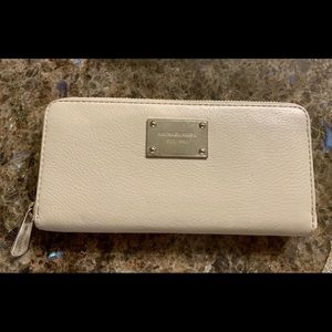 Michael Kors light grey wallet